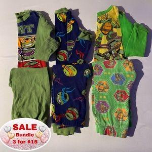 3 Ninja Turtle Boys pajamas size 6 fit like a 5
